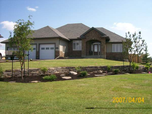 Frontyard landscaping for Natural landscaping ideas front yard