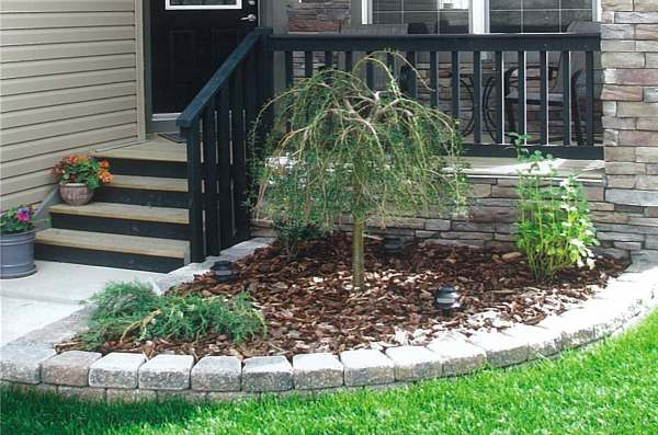 Frontyard landscaping for Front garden bed ideas