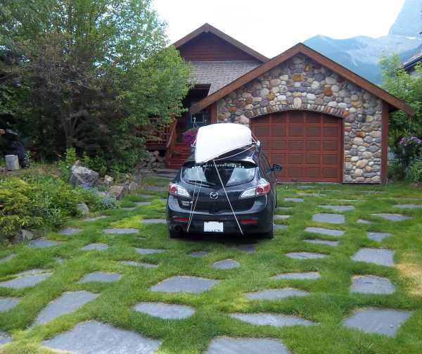 Front Yard Landscaping Ideas With Circular Driveway The: Driveway Landscaping Photo