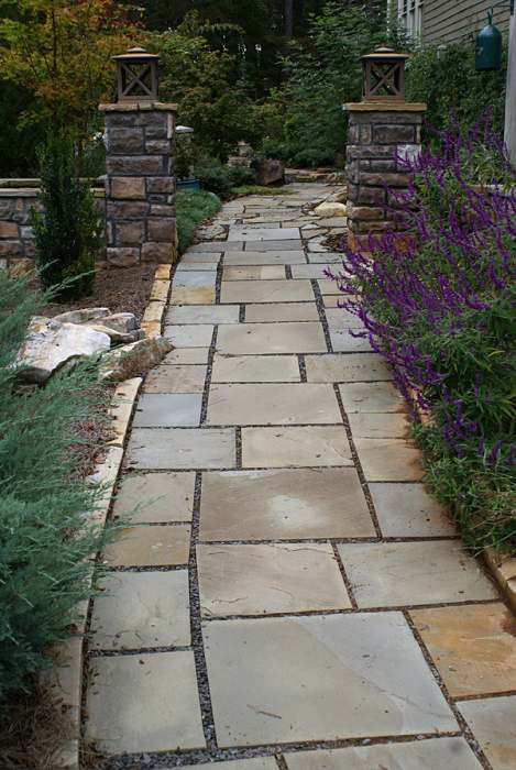 A formal front walkway with some creativity.