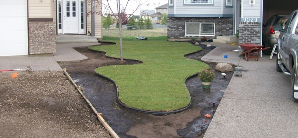 Plastic Edging Is An Easy And Affordable Way To Separate Grass From  Decorative Rock Beds.