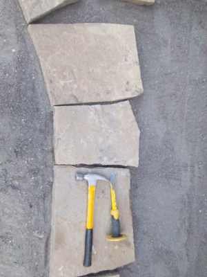 Lay out your edge pieces first when working with Flagstone.