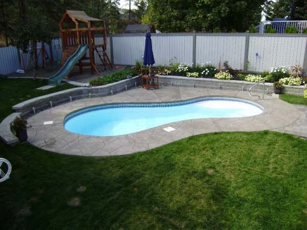Separating 'uses' in a yard is an important part of designing.